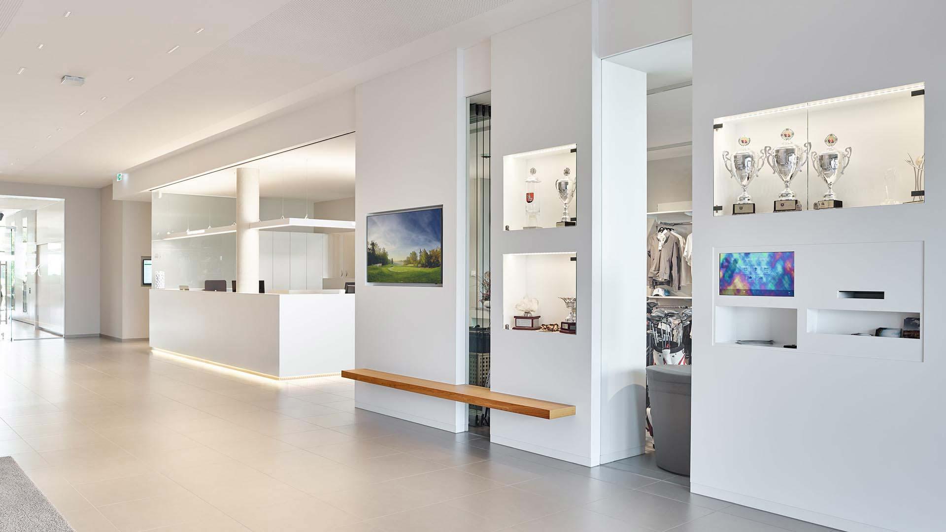 mainzer-golfclub-clubhaus-foyer-02